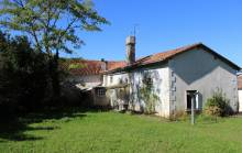 Property for Sale : 3 bedrooms House in LUSSAS-ET-NONTRONNEAU. Price: 60000 €